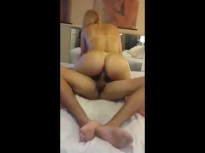 Corno filmando esposa dando pro amante