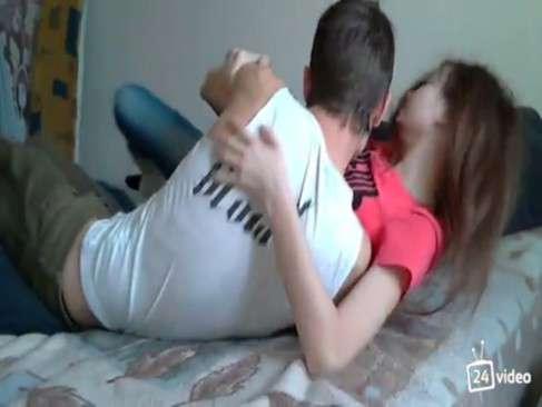 novinha safada trepando com namorado na webcam