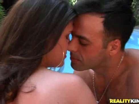 Morena brasileira sexy dando o cu gulosinho