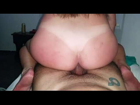 Amadora da bunda gg e toda branca no sexo