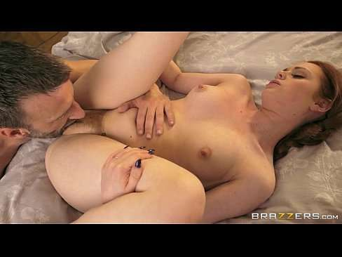 Cara sortudo fazendo sexo com gostosa safada